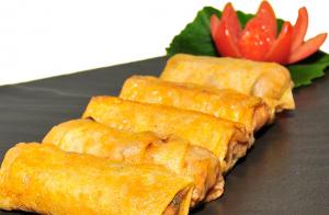 40 piezas de sushi + yakisoba con pollo para recoger en el local