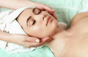 Higiene facial + tratamiento facial revitalizante