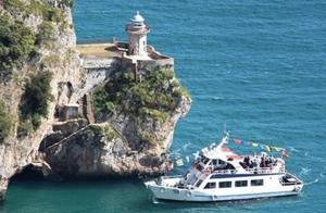 Conoce el Faro del Caballo + Fábrica de anchoas+ Paseo turístico en barco